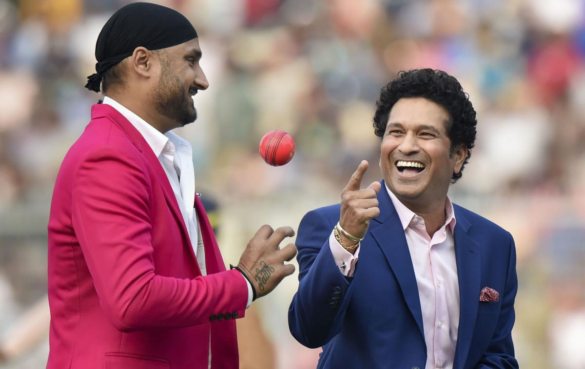Sachin Tendulkar, Tendulkar, Brian Lara, Harbhajan Singh, cricket rules, International cricket council, ICC, LBW, DRS, Umpires call, sports, mad over cricket