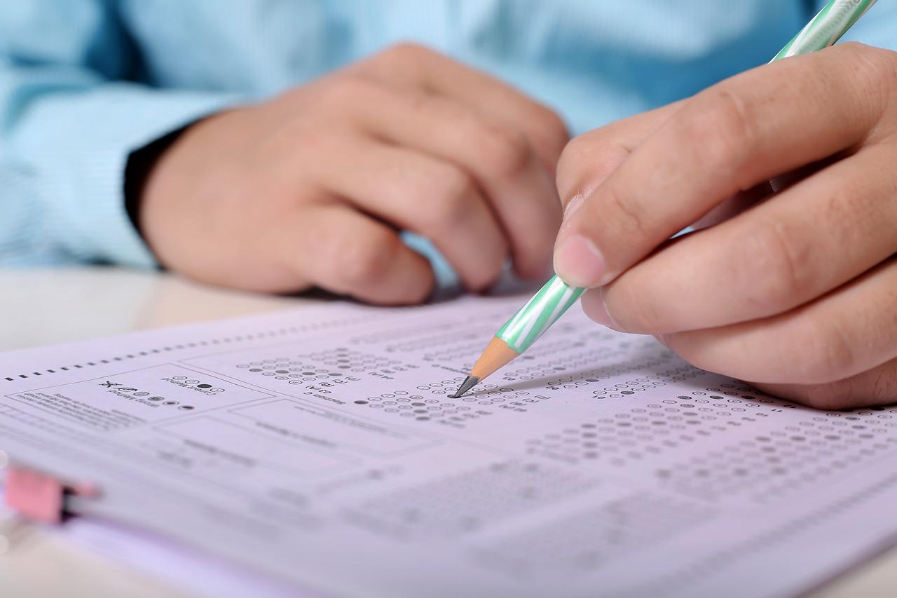 Conducting varsity exams in MCQs format not feasible, say academicians |  Deccan Herald