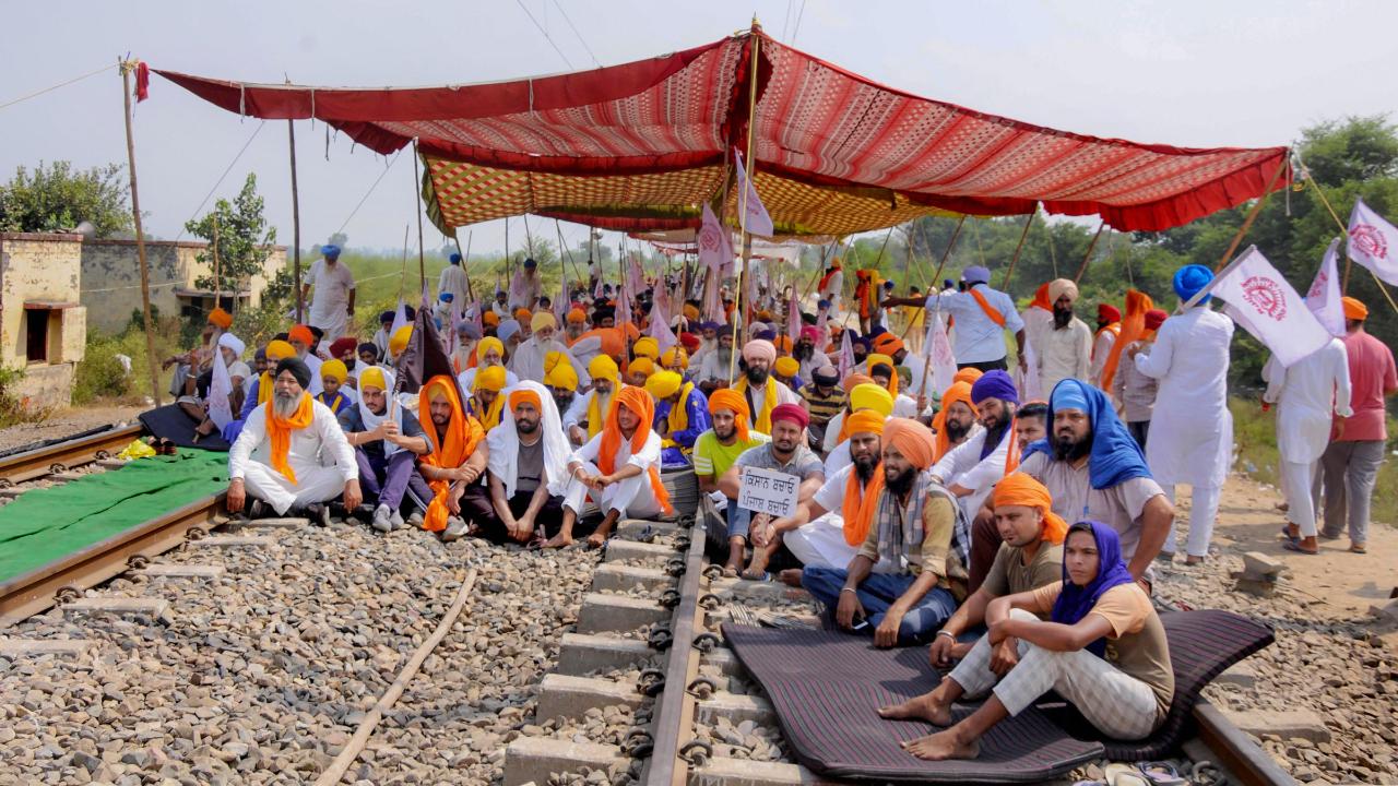 Farmers decide to intensify 'rail roko' agitation | Deccan Herald