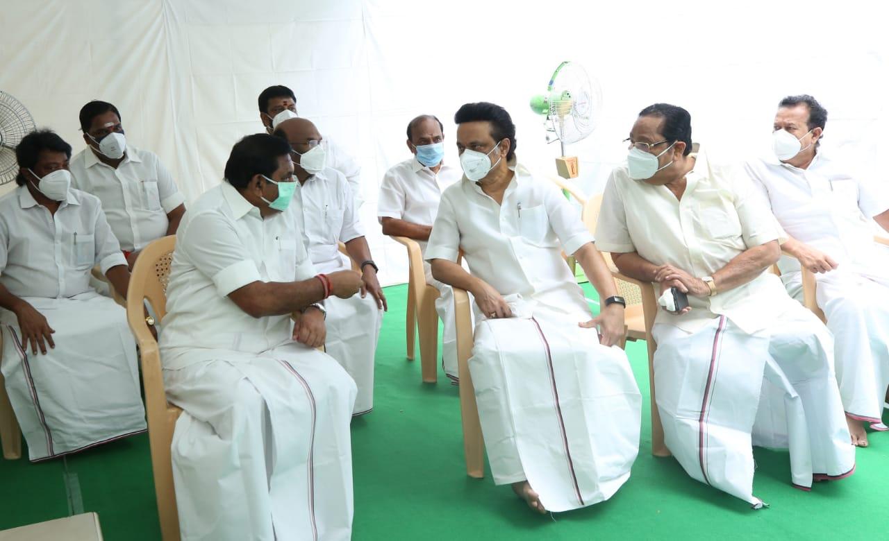 Stalin visits Tamil Nadu CM Edappadi K Palaniswami, pays respects to his  mother   Deccan Herald