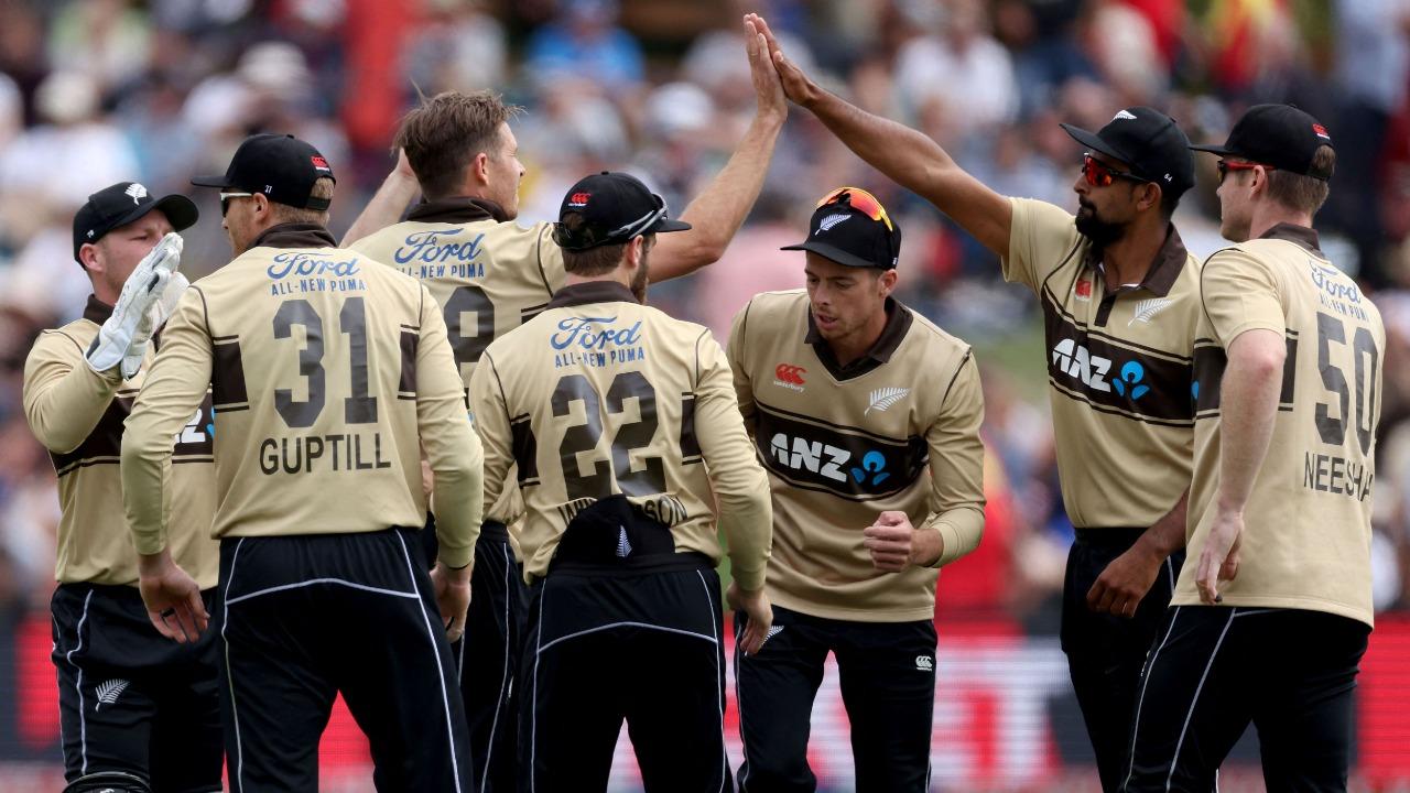 Guptill run-fest sets Australia tough T20 target | Deccan Herald