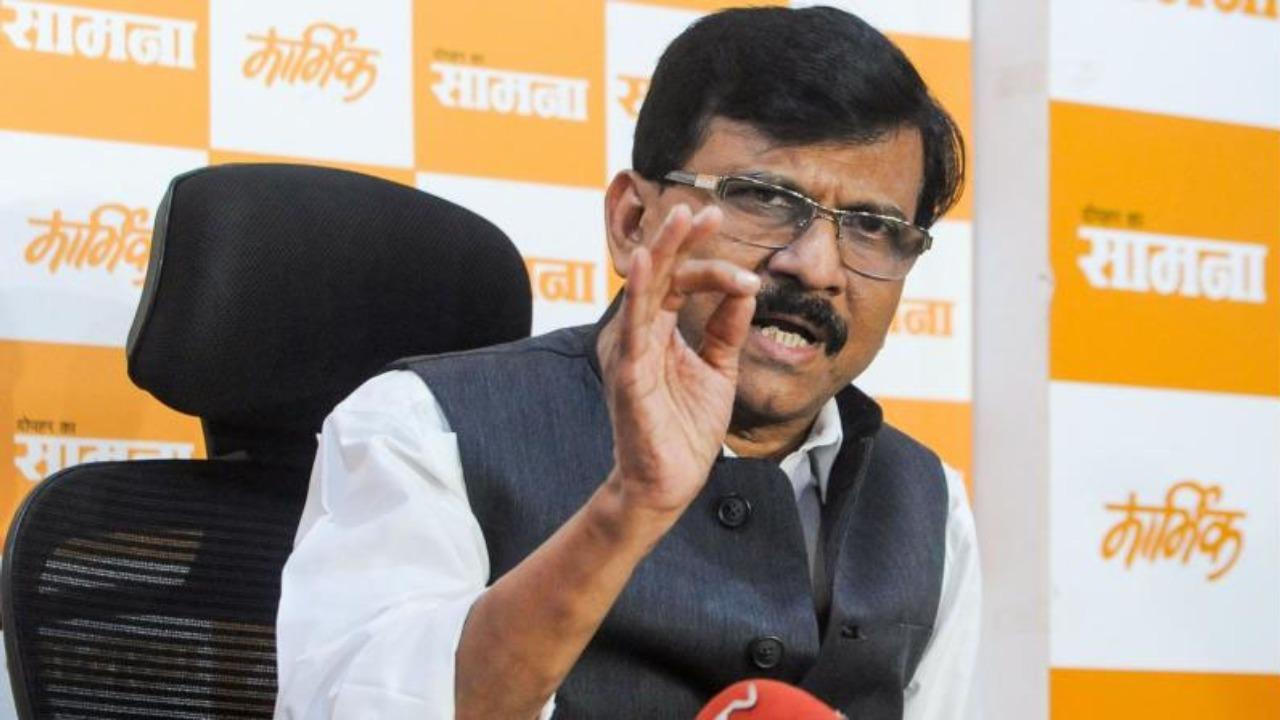 'Dirty politics' on to destabilise Maharashtra government: Sanjay Raut on Vaze accusations