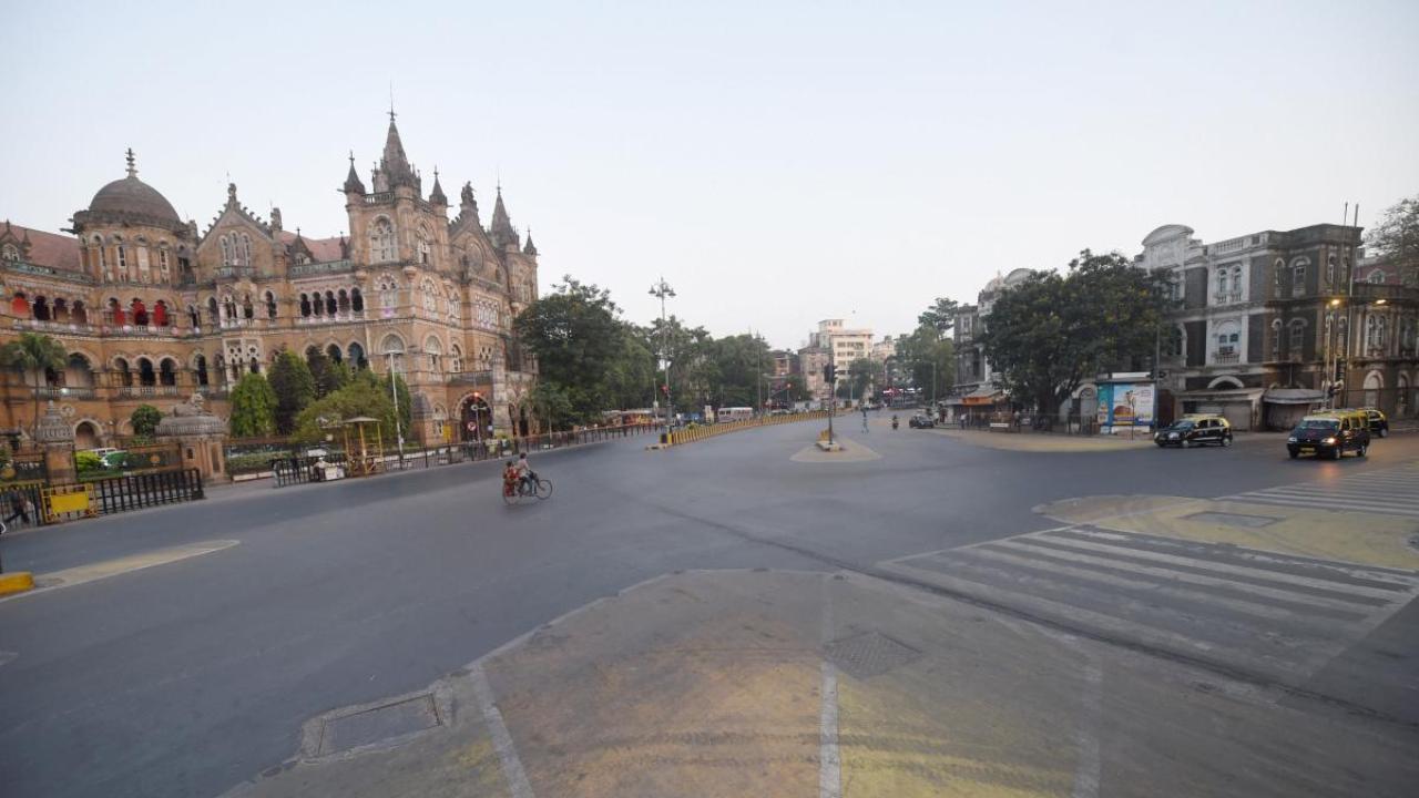 Maha Vikas Aghadi government plans total lockdown amid Covid-19 surge in Maharashtra