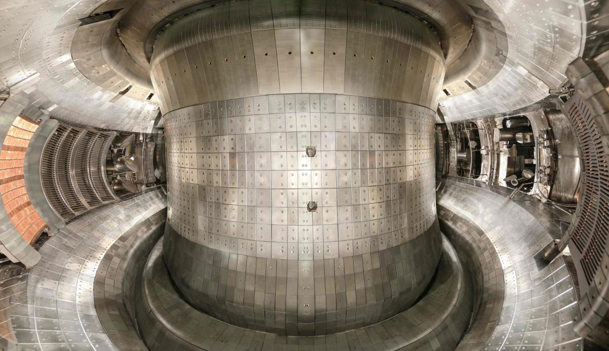 Scientists of The Institute of Plasma Physics, Chinese Academy of Sciences in Hefei have come up with a nuclear reactor that replicates the nuclear fusion that takes place in the heart of the sun.