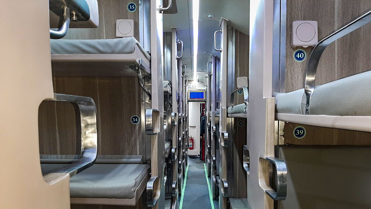 Indian Railways set to roll out over 800 AC 3-tier economy class coaches    Deccan Herald