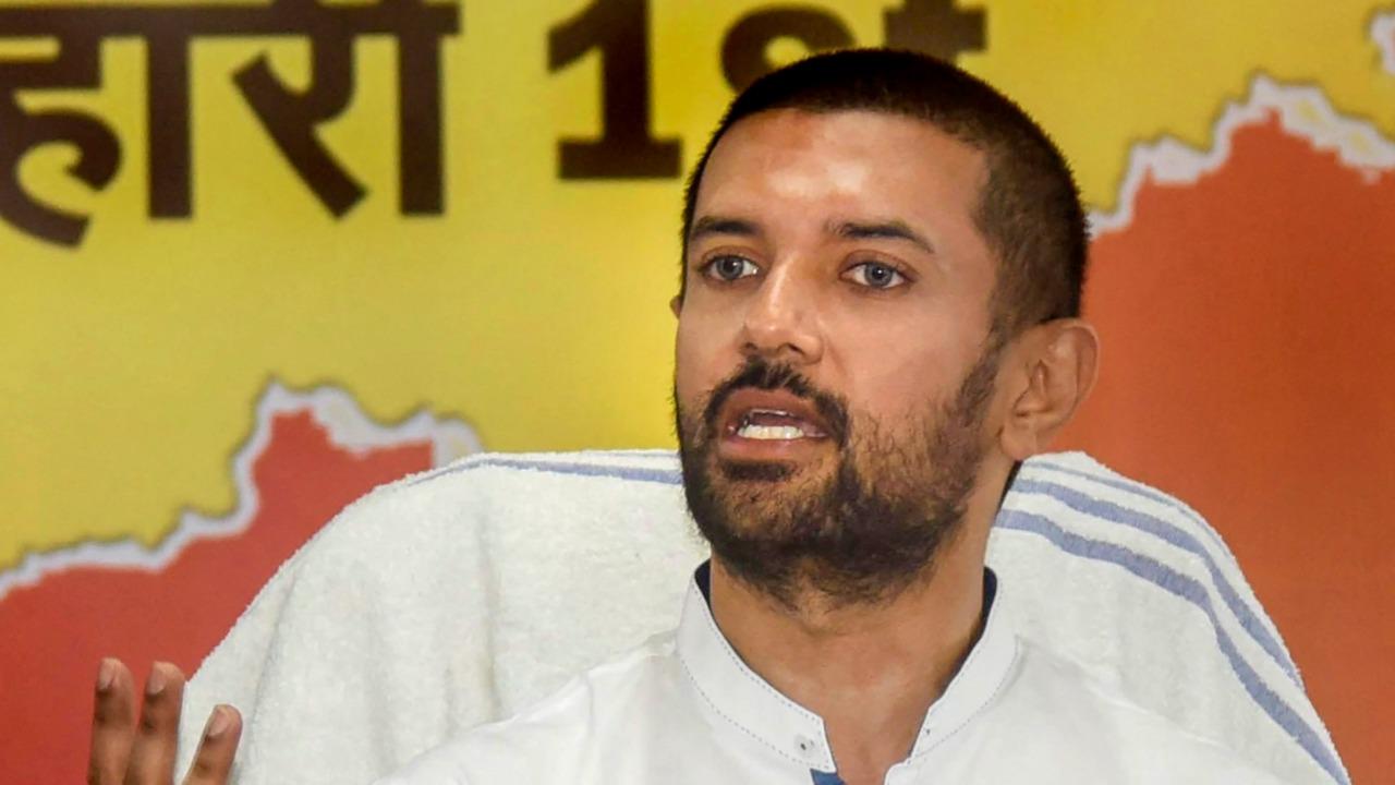 Chirag 'desperate' to invite Nitish to Ram Vilas Paswan's 'barsi'