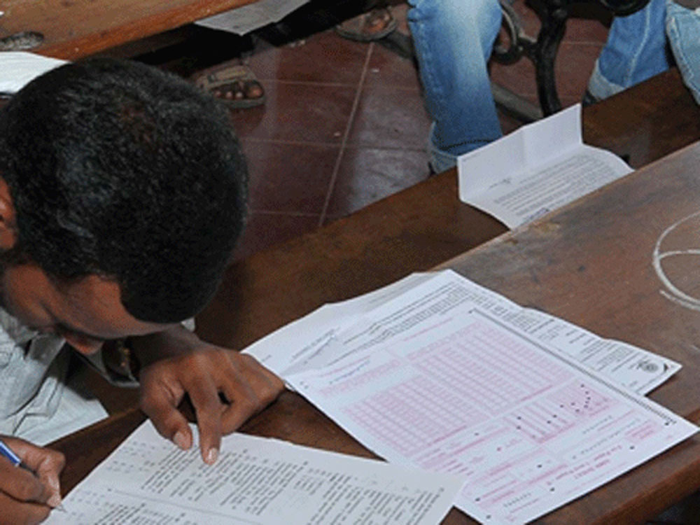A total of 1.98 lakh candidates have registered themselves to write the Karnataka Common Entrance Test (CET) which will be held on Wednesday and Thursday. DH file photo