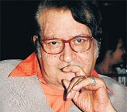 Manoj Kumar turning director again for 'Indo-Pak' love story