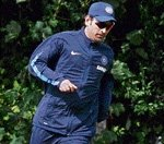 Dhoni opts for heavier, meatier bat