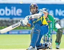 Sri Lanka overcome brave Ireland