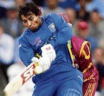 Dashing Dilshan, Mathews propel Lanka to Lord's