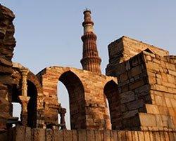 Low flying planes damaging Qutub Minar, says ASI official