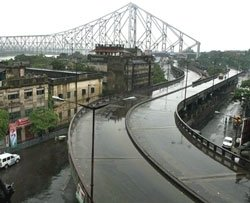 Bundh paralyses West Bengal