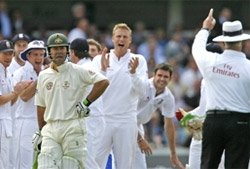 Anderson leaves Australia gasping