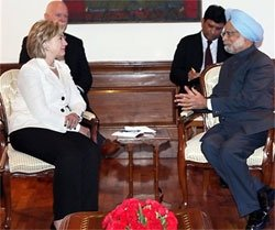 PM conveys concerns over protectionism to Hillary