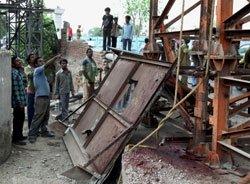 Another Metro mishap kills one; Sreedharan blames contractor