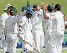 Pak stay on course for  consolation victory
