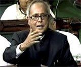 Pranab defends PM, says war with Pak no option
