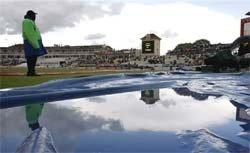 Third Ashes Test start delayed