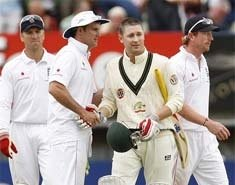 Frustrated Ponting smashes dressing room door