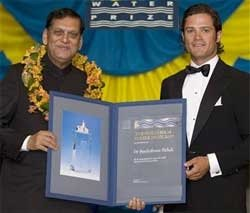 Indian sanitation expert receives Stockholm Water Prize