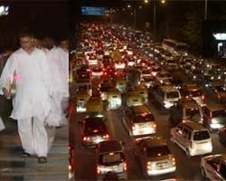 Rahul Gandhi takes a Metro after rain brings traffic to halt