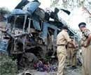 Car bomb kills 5 cops, woman