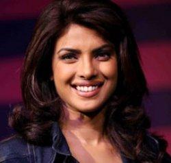 Priyanka dazzles Toronto at '...Rashee' premiere