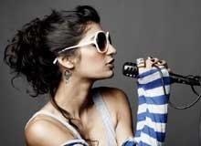 Anushka Manchanda to sing with Big B