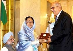 President honours El-Baradei with Indira Gandhi Peace Prize