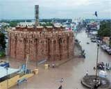 172 dead as floods batter Karnataka and Andhra