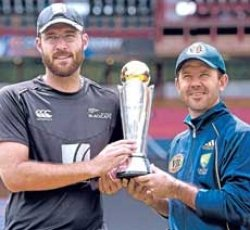 Advantage Aussies in title clash