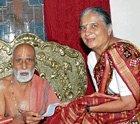 Sudha Murty's gesture