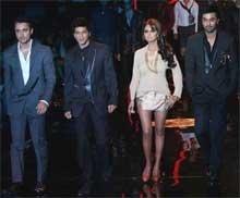 It's Shah Rukh-Gauri magic on ramp at Couture Week