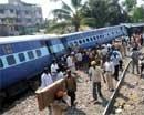 Bangalore-bound Gandhidham Exp derails, two injured