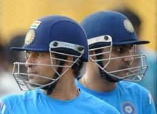 India look to prey on wounded Australia