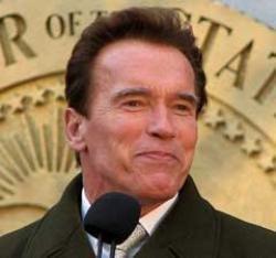 Schwarzenegger to quit politics next year