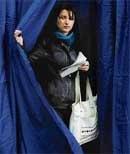 Romanians vote amid deep crisis