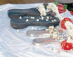 Will public darshan of padukas lead to another controversy?