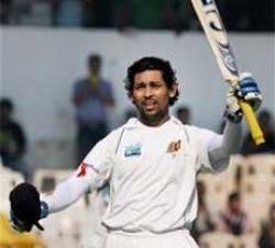 Honours even on engrossing opening day