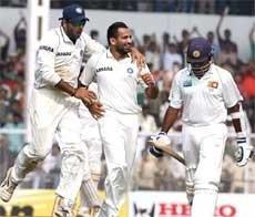 India leave Sri Lanka tottering