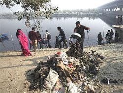 Canada offers green technology to clean river Yamuna