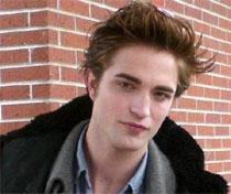 I don't want a girlfriend: Robert Pattinson
