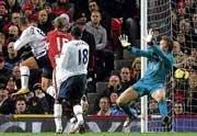 Arshavin strike powers Arsenal past Liverpool