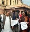 Left, BJP corner Govt on price rise