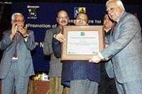 Hellen Keller award for spastic from Karnataka