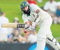 Amla ton puts SA in control