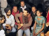 Aamir lands in Punjab village for pre-wedding function
