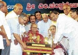 Gowda, Siddu come face-to-face
