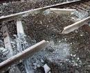 Maoists blow up rail track in Jharkhand